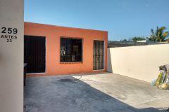 Foto de casa en venta en Leandro Valle, Mérida, Yucatán, 4404243,  no 01
