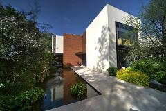 la casa est ubicada a dos cuadras del centro comercial duraznos tiene acceso por ahuehuetes sur y bosque de reforma es un proyecto del arq jaime guzman