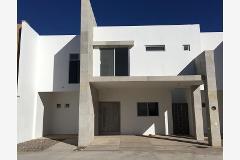Foto de casa en venta en  , fraccionamiento villas del renacimiento, torreón, coahuila de zaragoza, 4429192 No. 01