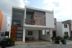 Foto de casa en venta en  , jardines del valle, zapopan, jalisco, 4489130 No. 01