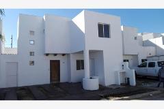 Foto de casa en venta en  , jardines las etnias, torreón, coahuila de zaragoza, 2823875 No. 01