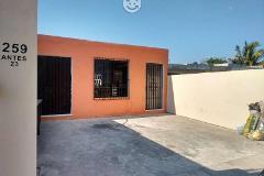 Foto de casa en venta en  , leandro valle, mérida, yucatán, 4529250 No. 01