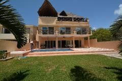 Foto de casa en venta en  , puerto aventuras, solidaridad, quintana roo, 4601402 No. 01