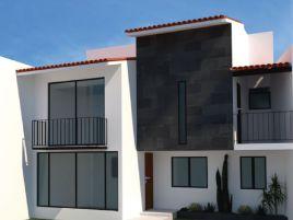 Foto de casa en venta en Adalberto Díaz Jacome, Fortín, Veracruz de Ignacio de la Llave, 21342855,  no 01