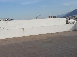 Foto de local en renta en Puerta de Hierro Cumbres, Monterrey, Nuevo León, 19541799,  no 01