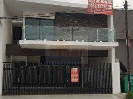 Foto de casa en venta en Unidad Nacional, Ciudad Madero, Tamaulipas, 15282705,  no 01