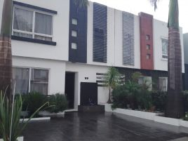 Foto de casa en venta en Paseo los Encinos, Morelia, Michoacán de Ocampo, 15991936,  no 01