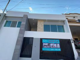 Foto de casa en venta en Lomas de Anáhuac, Monterrey, Nuevo León, 22606010,  no 01