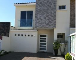 Foto de casa en venta en Villas del Parque, Tepic, Nayarit, 6686306,  no 01