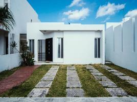 Foto de casa en venta en avenida 135 , bahía dorada, benito juárez, quintana roo, 0 No. 01
