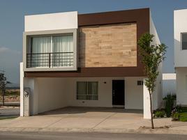 Foto de casa en condominio en venta en avenida adolfo ruiz cortines , ciudad cumbres, garcía, nuevo león, 20365598 No. 01