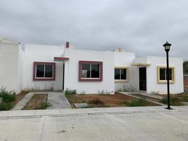 Foto de casa en venta en avenida del ferrocarril 9, el chabacano, san juan del río, durango, 0 No. 01