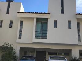 Foto de casa en venta en avenida la tijera los tulipanes 435, hacienda la tijera, tlajomulco de zúñiga, jalisco, 0 No. 01