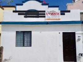 Foto de casa en venta en Valle de Los Nogales 1E, Apodaca, Nuevo León, 6880611,  no 01