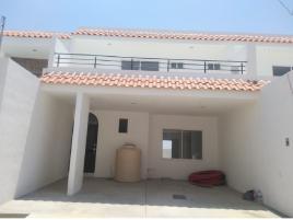 Foto de casa en venta en Santa Teresa, Guanajuato, Guanajuato, 15453662,  no 01