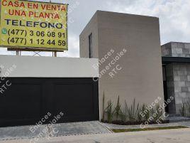 Foto de casa en venta en Cañada del Refugio, León, Guanajuato, 15919129,  no 01