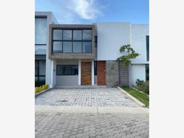 Foto de casa en venta en circuito baluarte 40, el alcázar (casa fuerte), tlajomulco de zúñiga, jalisco, 0 No. 01