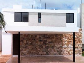 Foto de casa en condominio en renta en Chablekal, Mérida, Yucatán, 8748076,  no 01