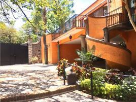 Foto de casa en condominio en renta en  , las quintas, cuernavaca, morelos, 18101686 No. 01