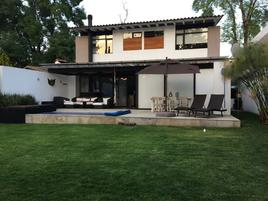 Foto de casa en venta en vega del llano 10, avándaro, valle de bravo, méxico, 0 No. 01