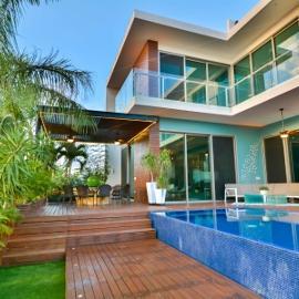 Foto de casa en venta en 77500 , zona hotelera, benito juárez, quintana roo, 0 No. 01