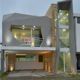 Foto de casa en venta en Lomas de Angelópolis II, San Andrés Cholula, Puebla, 20349238,  no 01