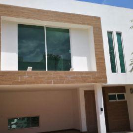 Foto de casa en venta en Lomas de Angelópolis II, San Andrés Cholula, Puebla, 6899785,  no 01