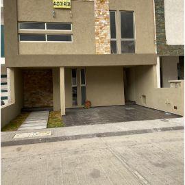 Foto de casa en venta en Cumbres del Mirador, Querétaro, Querétaro, 14321602,  no 01