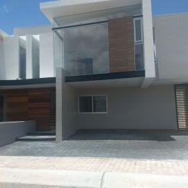 Foto de casa en venta en Juriquilla, Querétaro, Querétaro, 5437123,  no 01