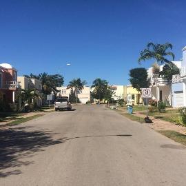 Foto de casa en venta en  , algarrobos desarrollo residencial, mérida, yucatán, 3889554 No. 01