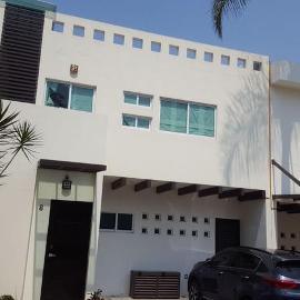 Foto de casa en venta en  , bosques de palmira, cuernavaca, morelos, 7764822 No. 01