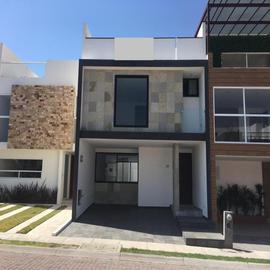 Foto de casa en venta en boulevard 15 de mayo 1, antigua hacienda, puebla, puebla, 0 No. 01