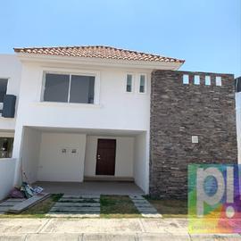 Foto de casa en venta en  , bugambilias, puebla, puebla, 20811786 No. 01