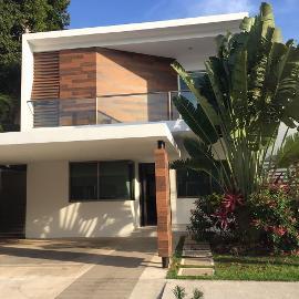 Foto de casa en venta en bulevard cumbres , cancún centro, benito juárez, quintana roo, 0 No. 01