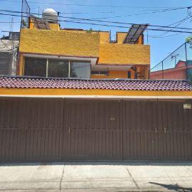 Foto de casa en venta en Santa Isabel Tola, Gustavo A. Madero, DF / CDMX, 16485536,  no 01