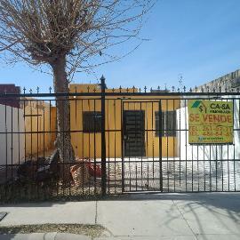 Foto de casa en venta en  , jardines de oriente ix y x, chihuahua, chihuahua, 4658260 No. 01