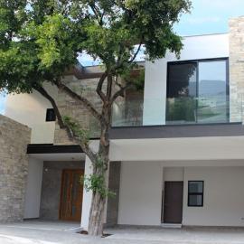 Foto de casa en venta en  , residencial chipinque 1 sector, san pedro garza garcía, nuevo león, 0 No. 01