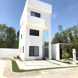 Foto de casa en venta en residencial el encuentro , playa del carmen centro, solidaridad, quintana roo, 0 No. 01