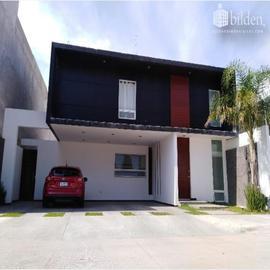 Foto de casa en venta en s/n , los cedros residencial, durango, durango, 19140577 No. 01