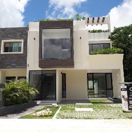 Foto de casa en venta en  , supermanzana 299, benito juárez, quintana roo, 1517813 No. 01