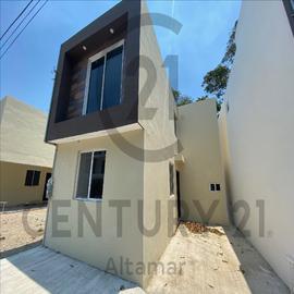 Foto de casa en venta en  , vicente guerrero, ciudad madero, tamaulipas, 18843370 No. 01