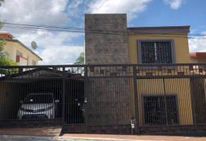 Foto de casa en venta en Las Cumbres 3 Sector, Monterrey, Nuevo León, 15093572,  no 01