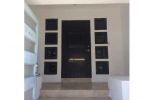 Foto de casa en venta en Altavista Sur, Monterrey, Nuevo León, 15443029,  no 01
