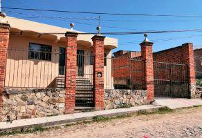 Foto de casa en venta en Chapala Centro, Chapala, Jalisco, 15214980,  no 01