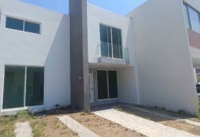 Foto de casa en venta en Arcos de la Cruz, Tlajomulco de Zúñiga, Jalisco, 7155552,  no 01