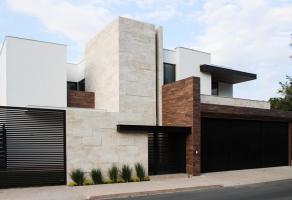 Foto de casa en venta en Del Valle, San Pedro Garza García, Nuevo León, 16510774,  no 01
