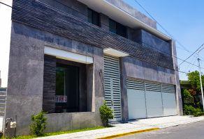 Foto de casa en venta en Del Valle, San Pedro Garza García, Nuevo León, 15302346,  no 01