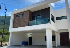 Foto de casa en venta en Carolco, Monterrey, Nuevo León, 15304920,  no 01