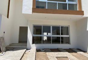 Foto de casa en venta en Arcos de la Cruz, Tlajomulco de Zúñiga, Jalisco, 15514601,  no 01