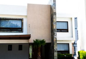 Foto de casa en renta en Bosque Real, Huixquilucan, México, 15215400,  no 01